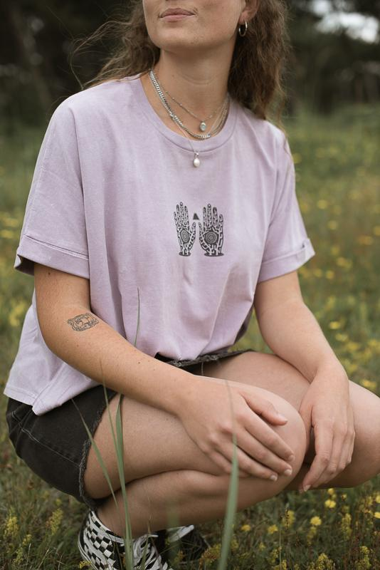 Lilac Petal Trippy Hands Women Tee Of Inmind Clothing Gran Canaria Collection